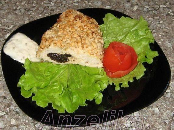 Курица, фаршированная гречкой, в духовке
