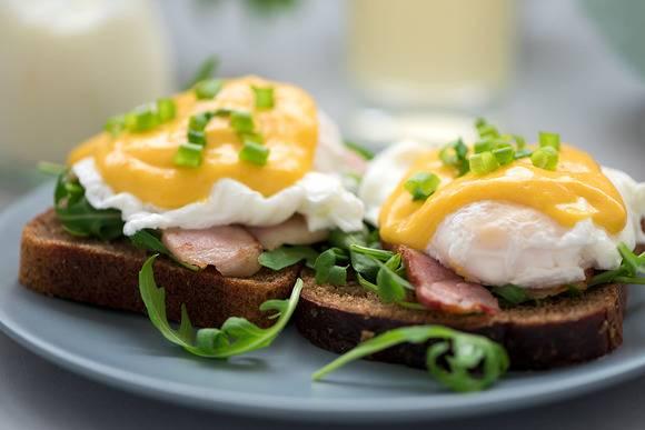 [на завтрак] рецепт яичницы скрэмбл
