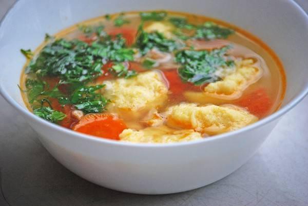Суп куриный с клецками по-деревенски