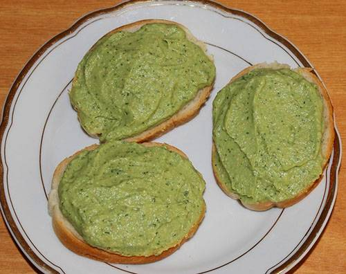 Легкие бутерброды с сыром и креветками