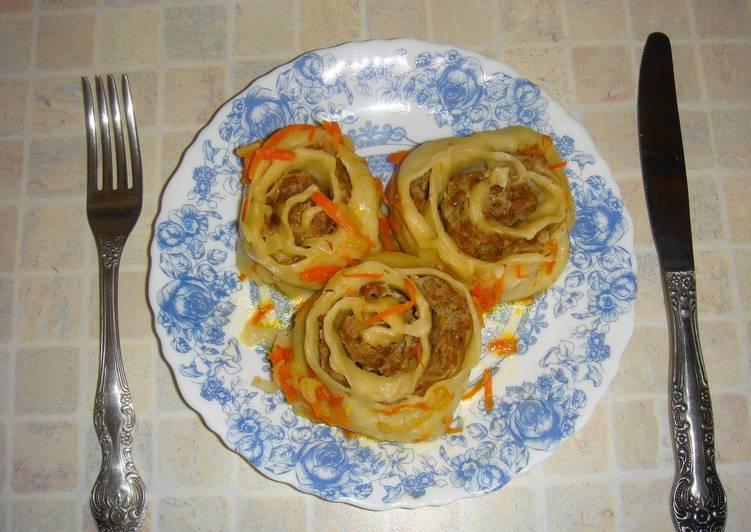 Ленивые манты в томатно-овощной заливке