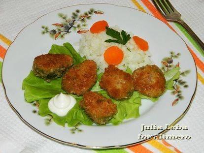 Индейка в сырно-ореховой панировке + брюссельская капуста с чесноком