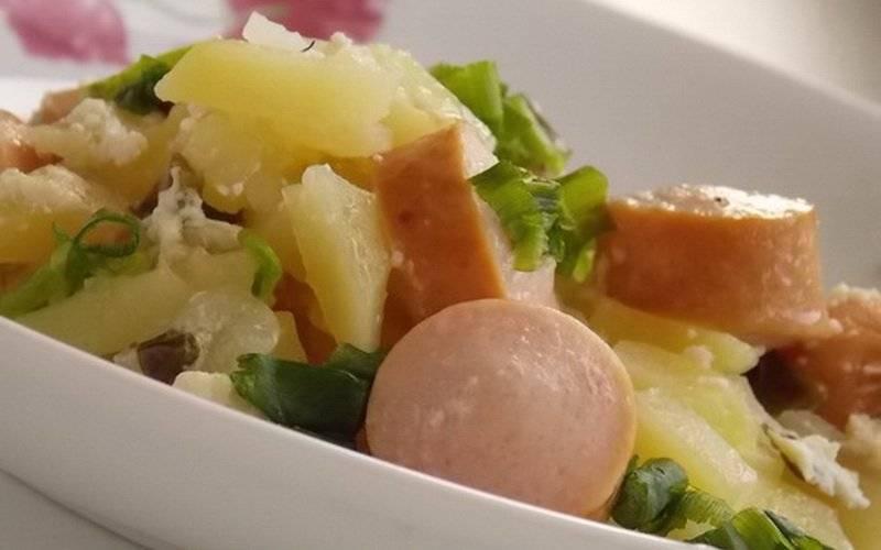 Капустная солянка с сосисками – кушанье по-деревенски