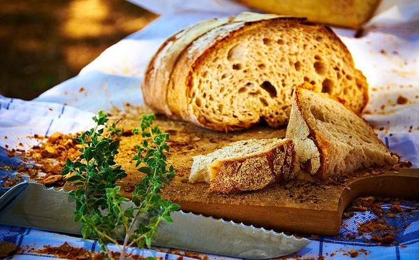 Ржаной хлеб с орехами и сухофруктами