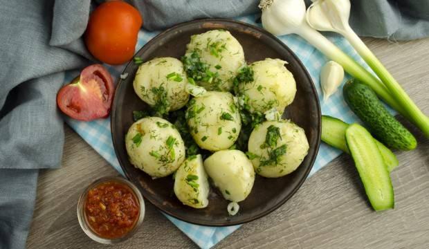 Молодой мелкий картофель, запеченный в духовке - 10 пошаговых фото в рецепте