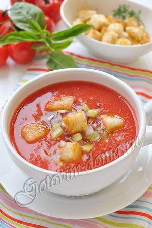 От гаспачо до свекольника: 10 рецептов холодных супов для жарких дней — wonderzine