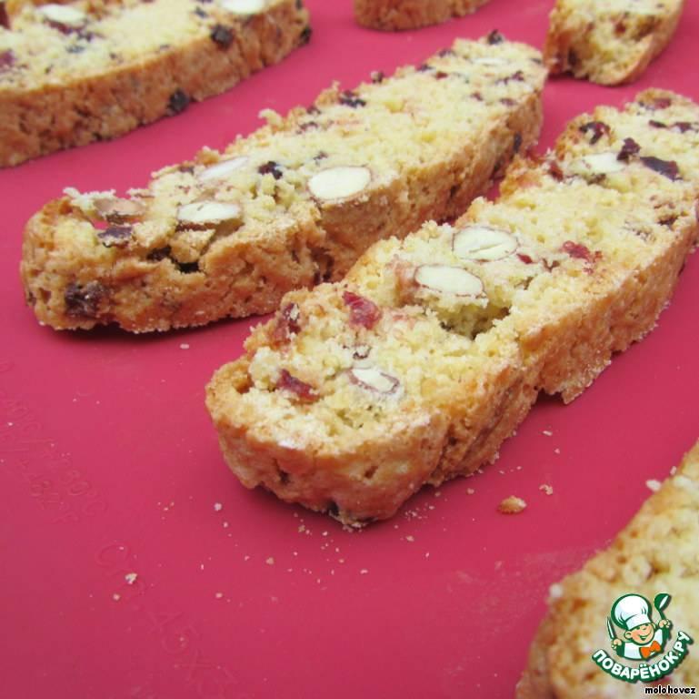 Рецепт бискотти с миндалем, фисташками и другими орехами