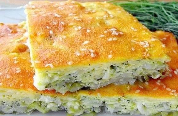 Заливной сметанно-геркулесовый пирог с капустой