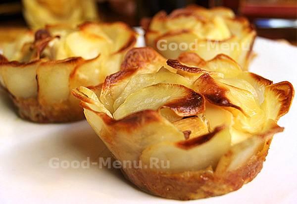 Картофельный рулет с шампиньонами