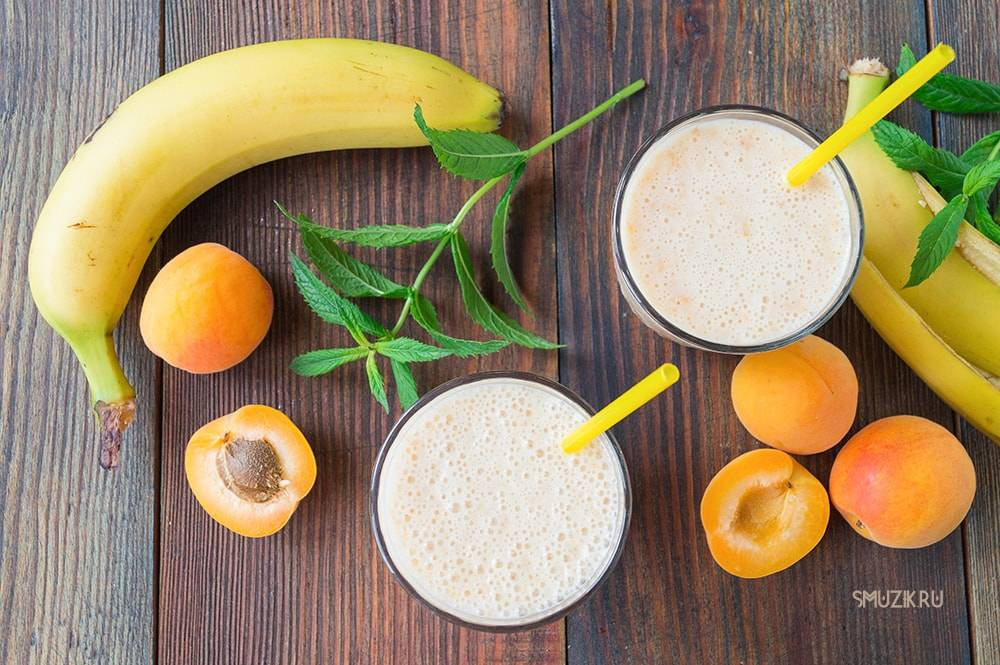 Смузи с бананом и яблоком, клубникой, авокадо и апельсином - рецепты с молоком, творогом, йогуртом