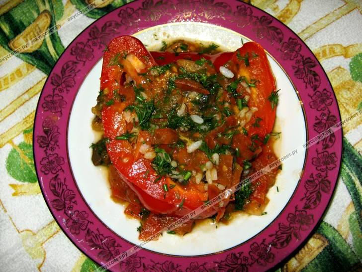 Фаршированные перцы в духовке с мясом, куриной грудкой, рисом и сыром