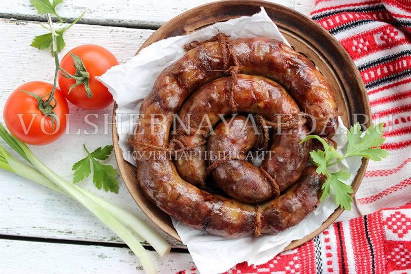 Вареная колбаса - рецепты из куриного филе, свинины и конины, со шпиком и оливками