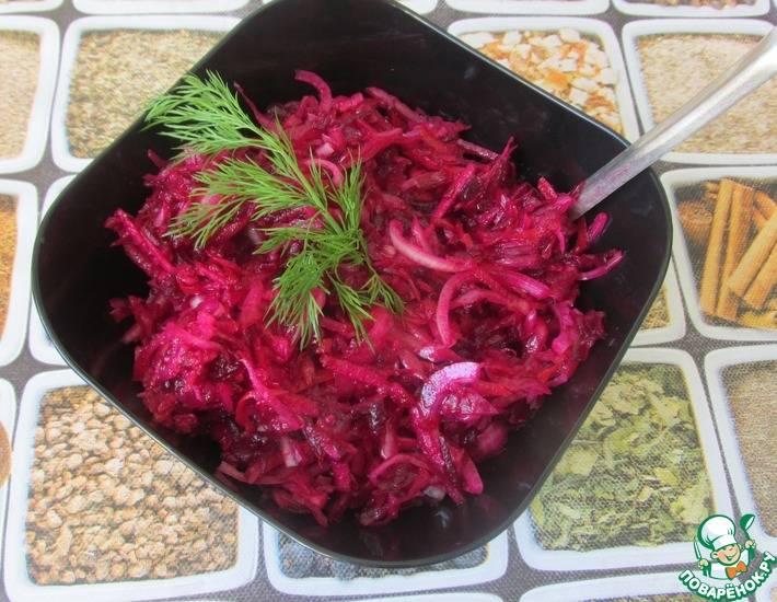 Салат из квашеной капусты с солеными огурцами