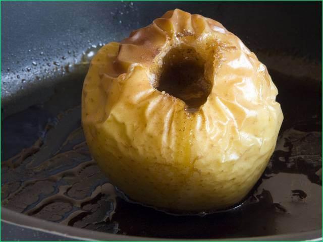 Запеченные яблоки в мультиварке редмонд