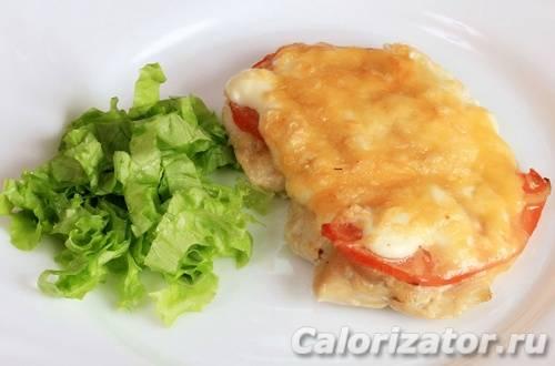 Грудки в духовке с сыром и помидорами: рецепты, калорийность