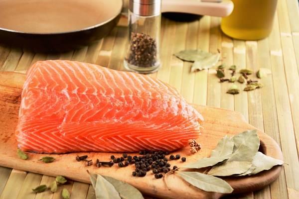 Как правильно солить красную рыбу в домашних условиях