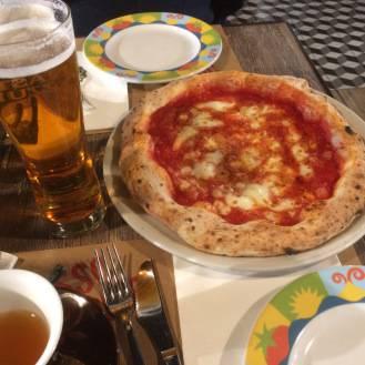 Готовим неаполитанскую пиццу: 5 рецептов для ценителей оригинального вкуса