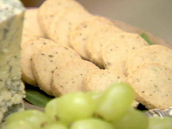 Быстрые крекеры с сыром и тимьяном