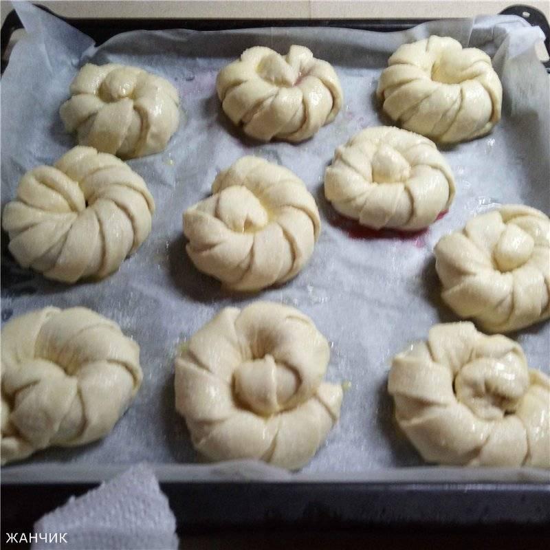 Закрытые булочки с начинкой
