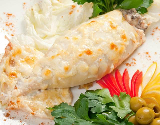 Фаршированные кальмары с грибами,овощами и креветками - рецепты в духовке или в мультиварке