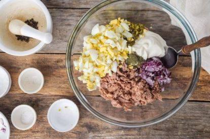 Диетический салат с консервированным тунцом: рецепт