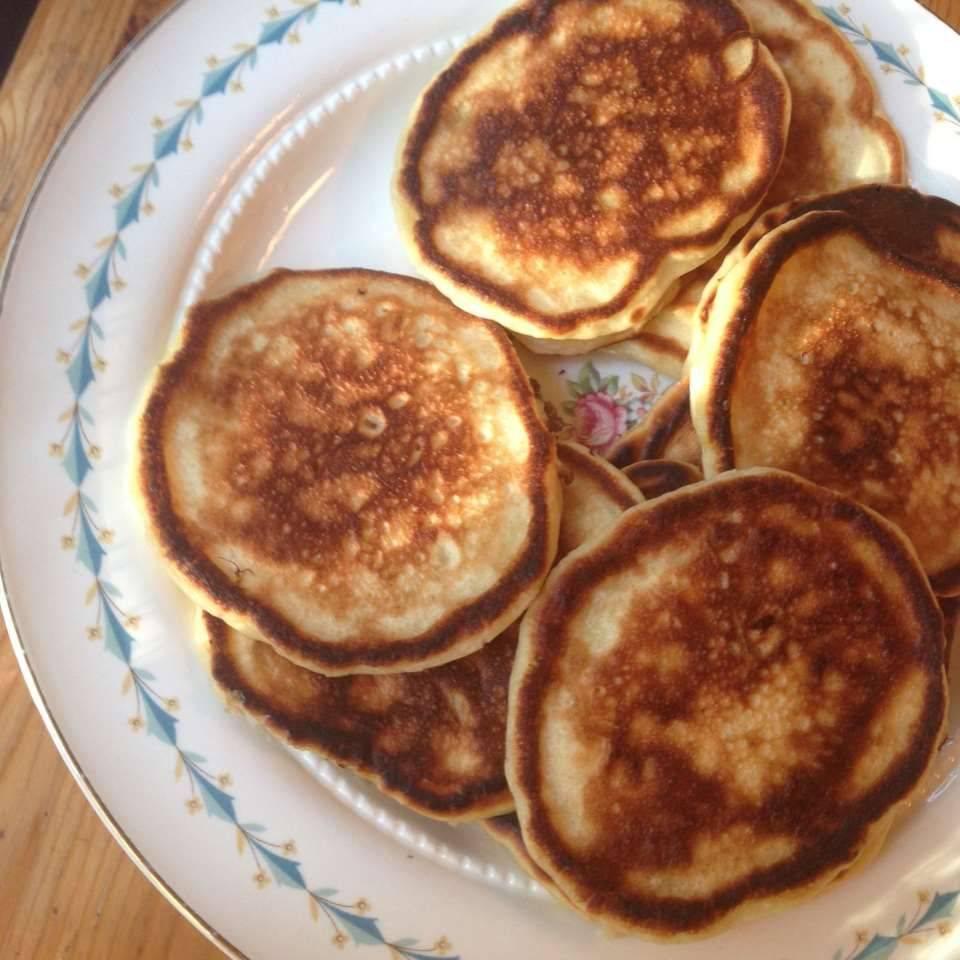Оладьи с яблоками - рецепты теста на кефире, молоке, с дрожжами, тыквой и бананом