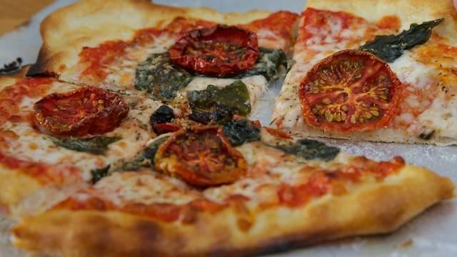 Как научиться готовить вкусную неаполитанскую пиццу