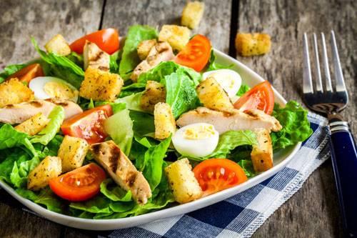 Соус для цезаря с курицей - классический рецепт заправки, состав с майонезом, анчоусами и горчицей