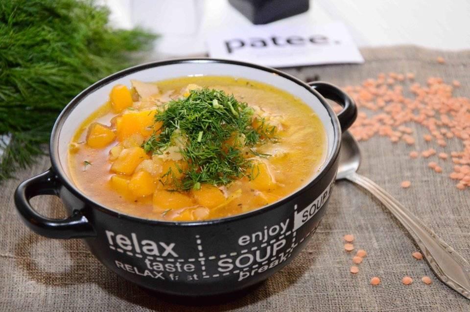 Чечевичный суп с колбасой