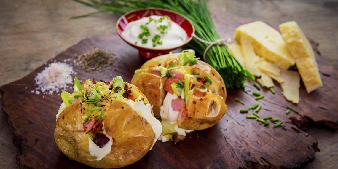 Картофель со сливками и сыром в духовке - 10 пошаговых фото в рецепте