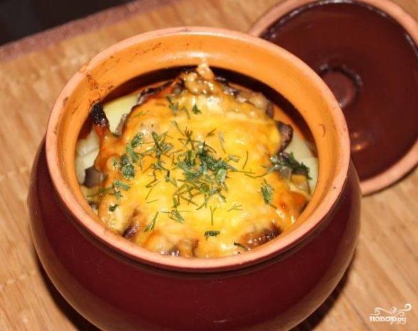 Пельмени в горшочках - рецепты блюда с грибами, сыром, печенью и сметаной