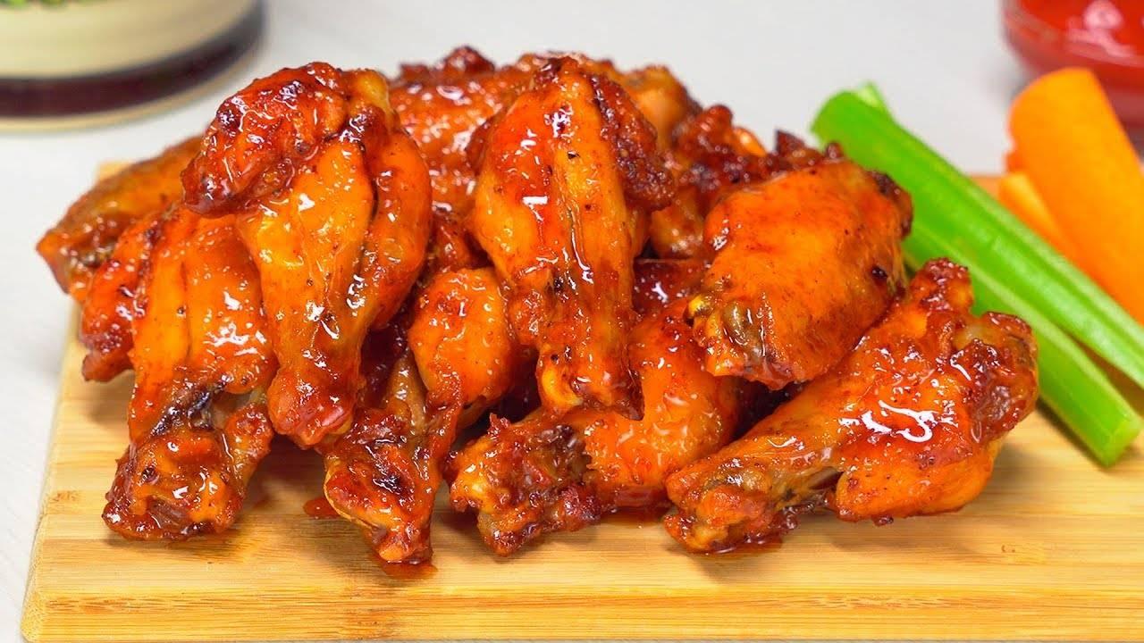 Куриные крылышки в духовке с картошкой рецепт с фото