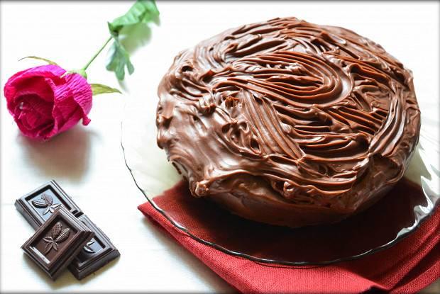 Влажный шоколадный кекс без яиц