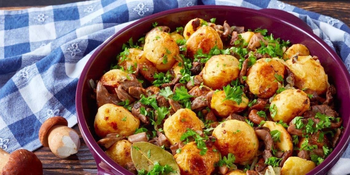 Жареная картошка с замороженными опятами — ягоды грибы