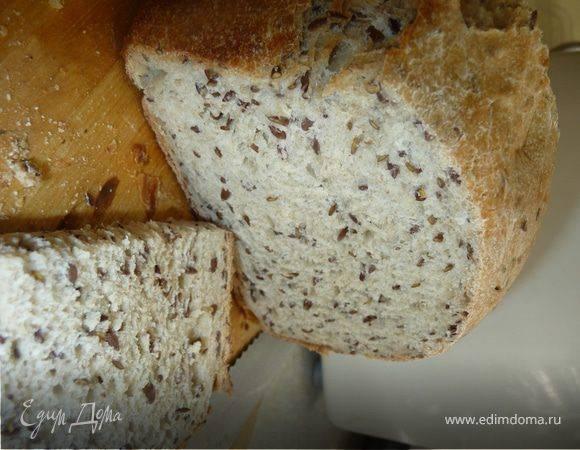 Хлеб с семенами льна и кунжутом