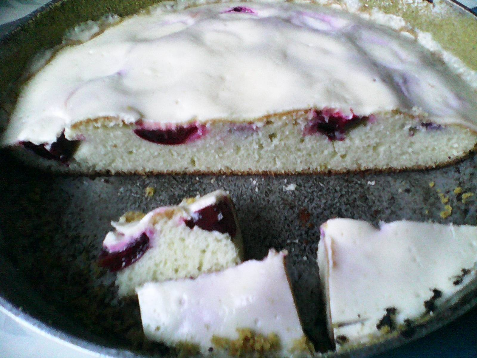 """Сливовый пирог """"обманчивая внешность"""""""