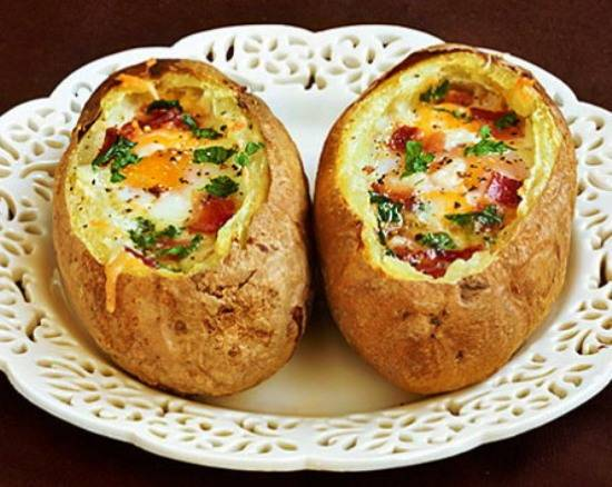 Картошка с беконом и сыром в духовке - 10 пошаговых фото в рецепте
