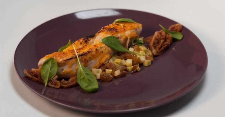 Индейка в сметане – всегда сочно и нежно! рецепты индейки в сметанном соусе: тушеная, запеченная, с овощами и грибами