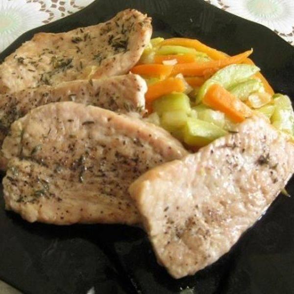 Как вкусно и быстро пожарить кабачки с чесноком на сковороде, рецепт