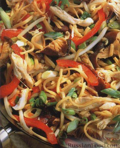Лапша с овощами и грибами