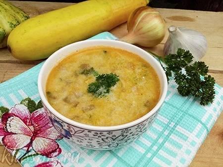 Суп-пюре из кабачков со сливочным сыром