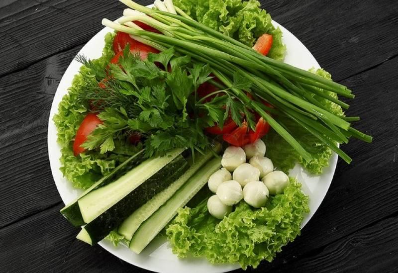 """Горячее """"летняя тарелка"""" с запеченными овощами"""