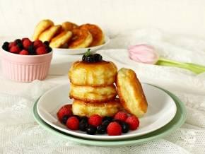 Никаких секретов – простые пышные оладьи на простокваше. рецепты пышных оладий на простокваше с творогом, манкой, яблоками