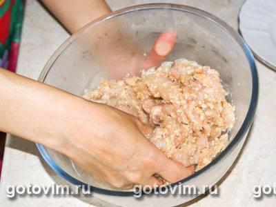 Диетические куриные тефтели на пару с йогуртовым соусом