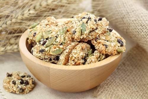 Печенье с изюмом песочное рассыпчатое