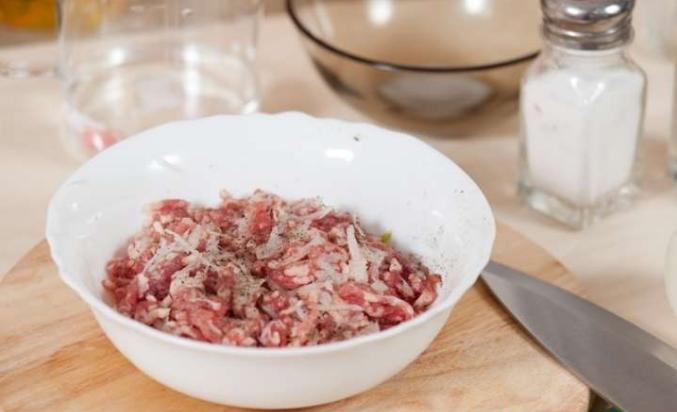 Фарш для пельменей из говядины и свинины