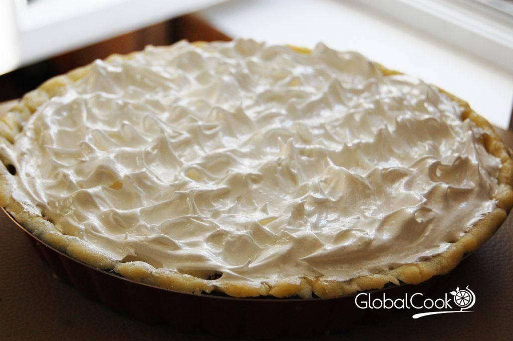 Пирог с брусникой: рецепт с пошаговым приготовлением