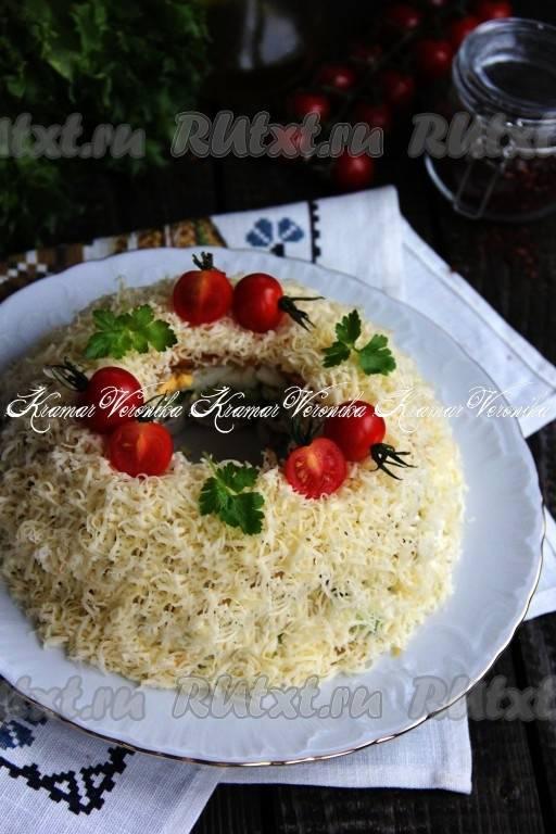 Как вкусно приготовить салат с виноградом и курицей