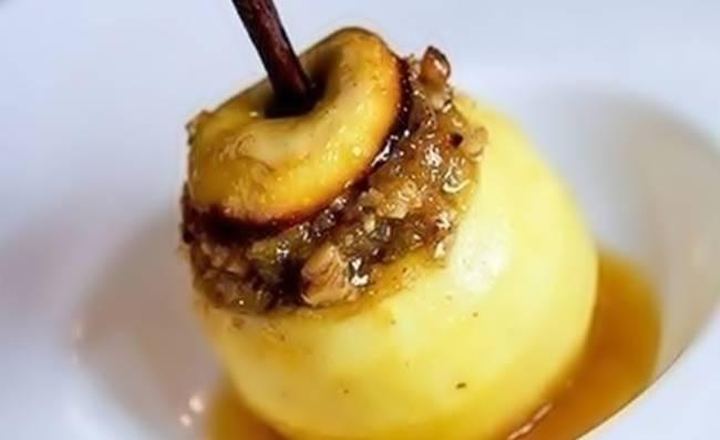Эти яблоки, запечённые в духовке, такие вкусные! Вам понравится