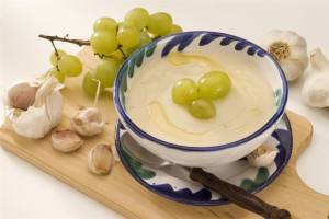 Холодные супы: 6 рецептов для подыхающего от жары